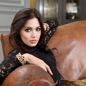 «Вице-Мисс Россия» Костенко намекает, что ждет ребенка от Тарасова?