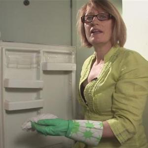 Как разморозить холодильник быстро! Советуют специалисты техсервиса!