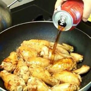 Ни один маринад не сделает курицу такой аппетитной: главный секрет кулинарного триумфа!