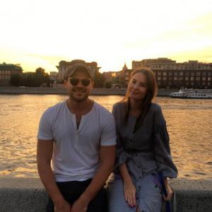 Эмин Агаларов больше не скрывает возлюбленную