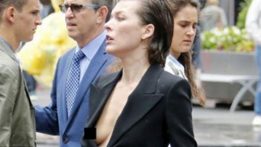Мила Йовович опозорилась из-за неудачного наряда в Нью-Йорке