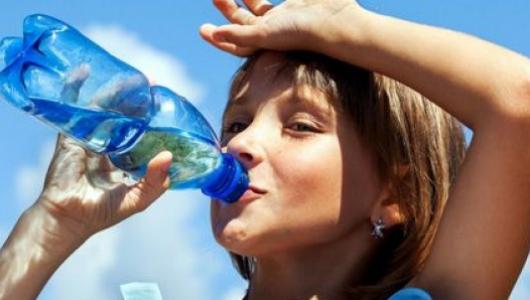 Сок убивает: чем грозит запивание лекарств не водой?