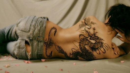 Почему татуировки не исчезают?  Вопрос, который не давал мне покоя.